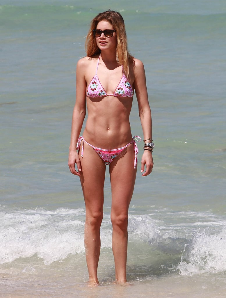 Doutzen Kroes Hit The Beach In Miami In A String Bikini Doutzen Kroes In A Bikini With
