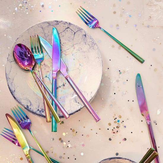 أدوات مائدة قزحيّة اللون