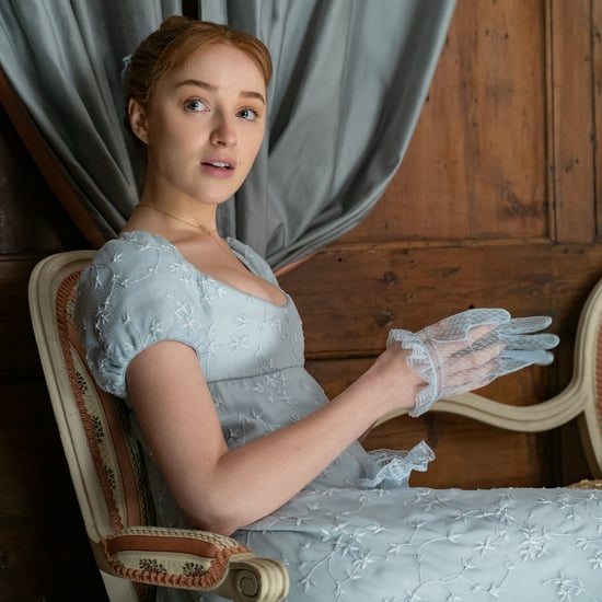 Phoebe Dynevor's Best GIFs From Bridgerton