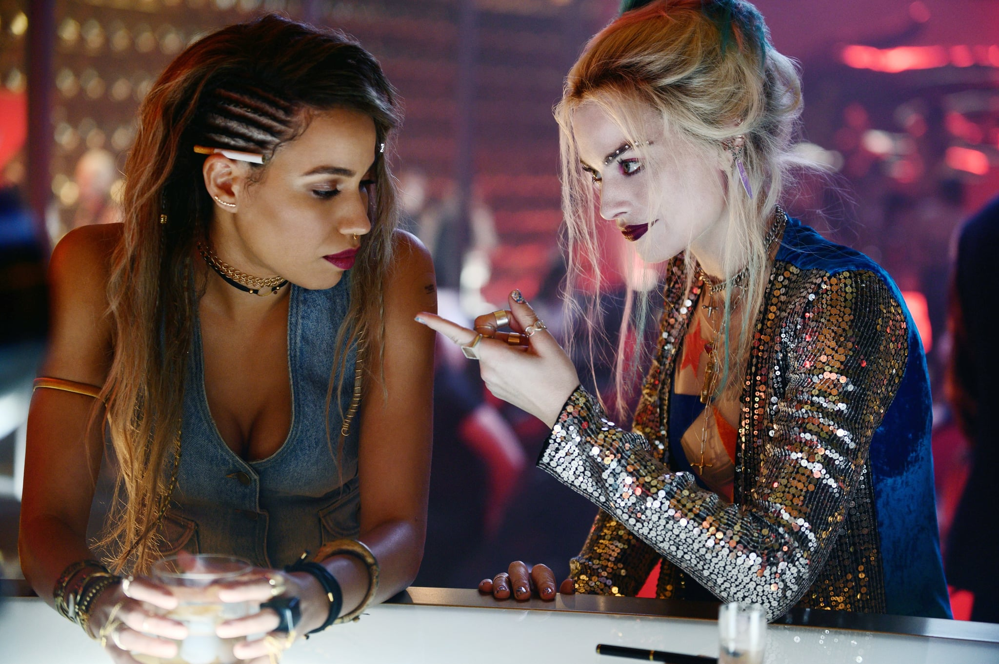 BIRDS OF PREY, from left: Jurnee Smollett-Bell as Black Canary, Margot Robbie as Harley Quinn, 2020. ph: Claudette Barius /  Warner Bros. / courtesy Everett Collection