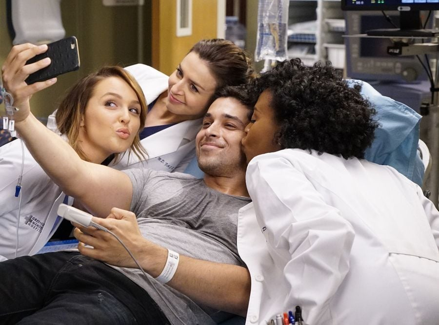 Things That Always Happen On Greys Anatomy Popsugar Entertainment