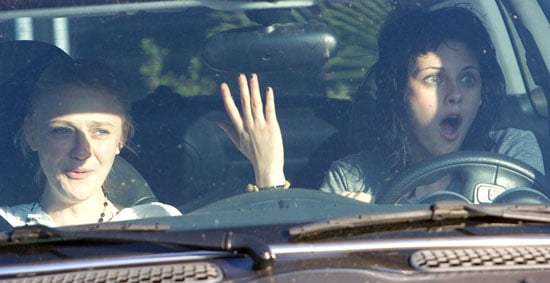 18/06/2009 Kristen Stewart and Dakota Fanning Go For A Drive