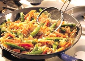 Fast & Easy Dinner: Vegetable Chow Mein