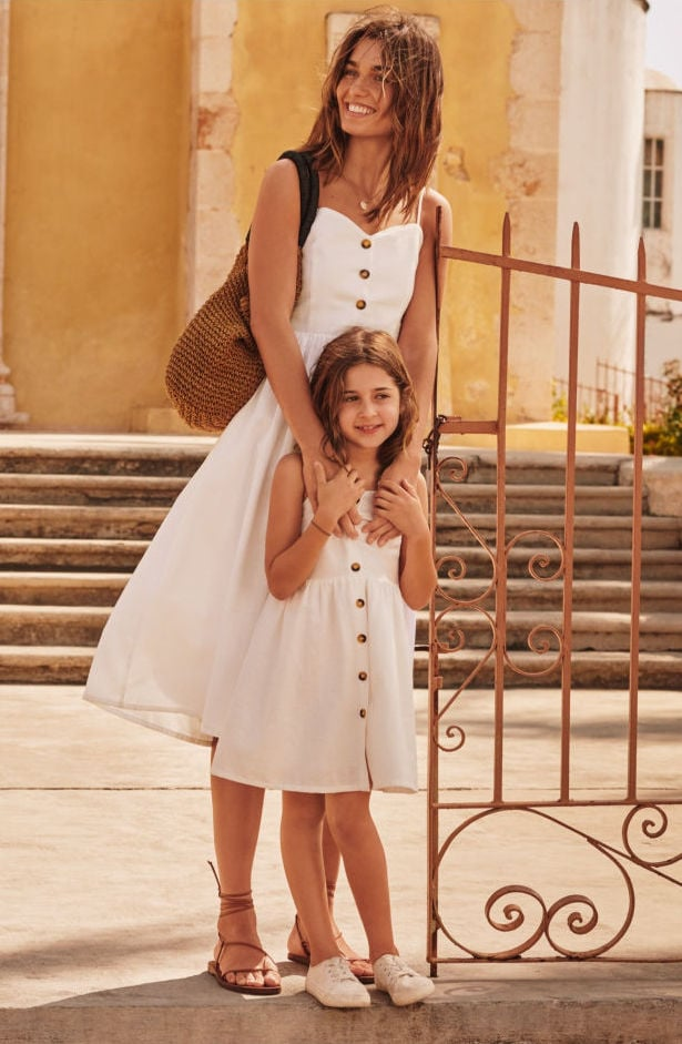 These 10 Adorable Matching Mommy and Me Outfits Are Perfect For Summer