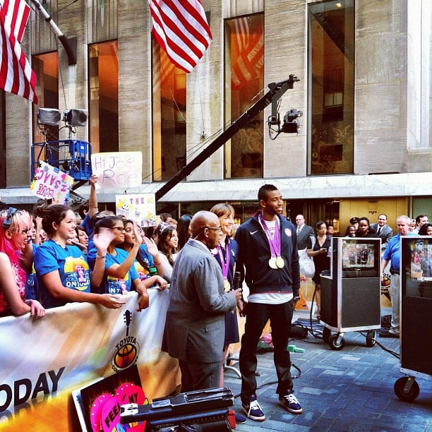Olympic Swimmer Cullen Jones towered over a crowd gathered in NYC on Monday. Source: Instagram user