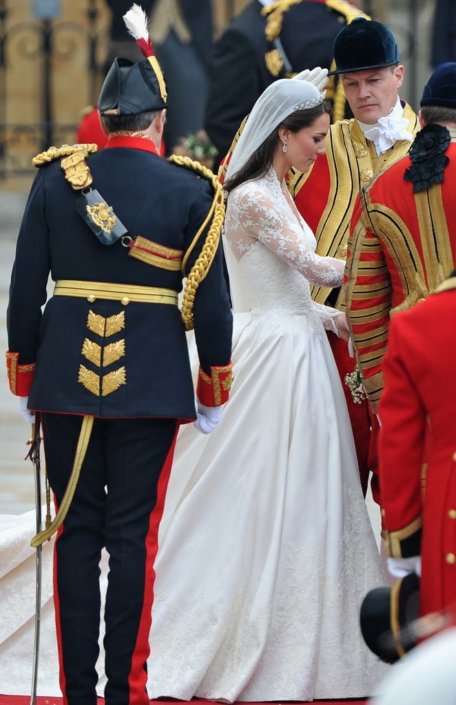 Kate Middleton and Prince William's Carriage Procession to Buckingham Palace!