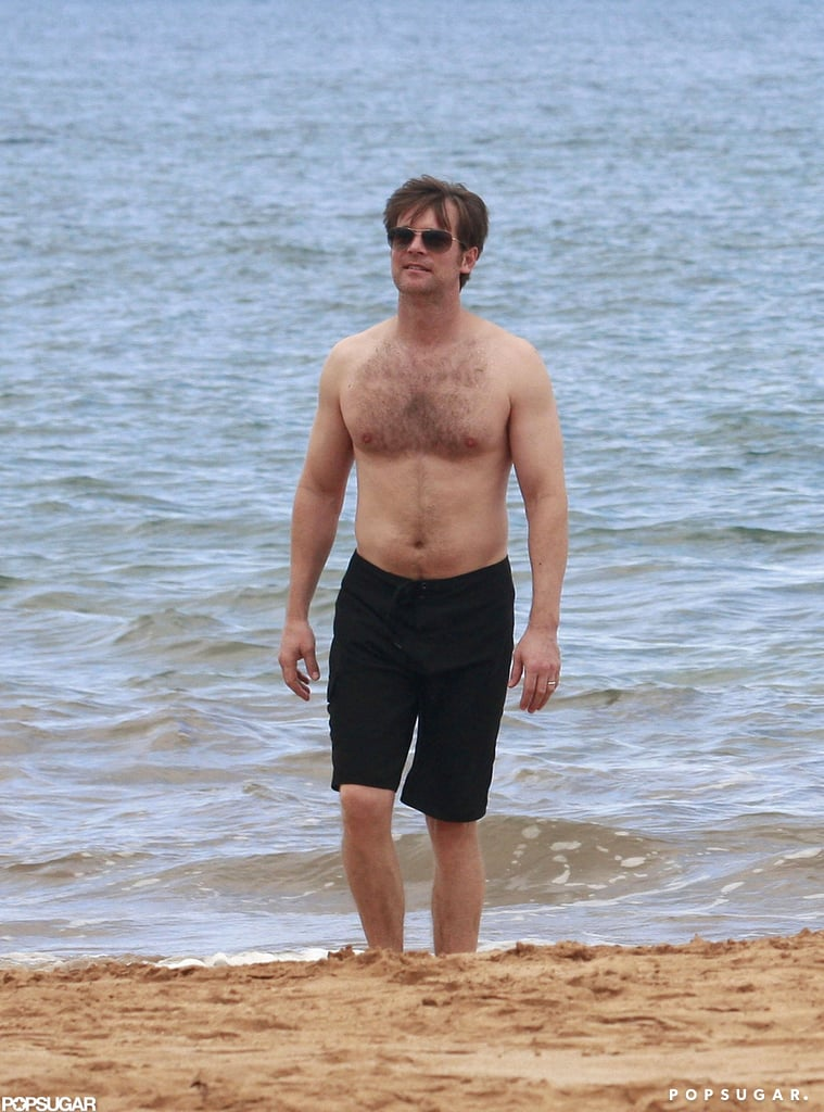Parenthood's Peter Krause Goes Shirtless in a Beach Scene With Monica Potter