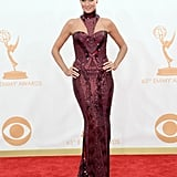 The unique neckline on Heidi Klum's Atelier Versace dress caught our eye first. Her sparkle came courtesy of Lorraine Schwartz gems.