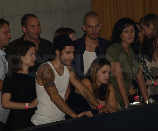 Slide Photo of Elizabeth Reaser, Nikki Reed, Paris Latsis, Stephenie Meyer Watching Jackson Rathbone Perform