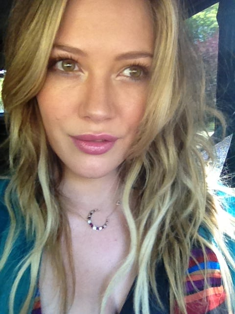 Hilary Duff showed off her new MAC lip gloss.  Source: Twitter user HilaryDuff