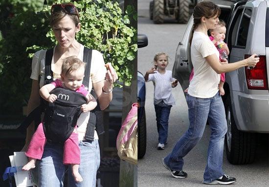 Photos of Jennifer Garner, Violet Affleck, Chris Affleck, And Seraphina Affleck in a Boston Park