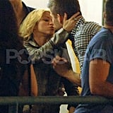 Pictures of Shakira and Gerard Pique Kissing