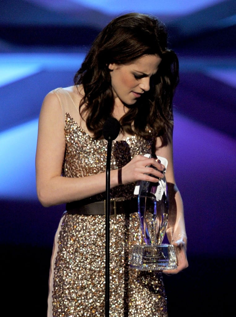 Leggy Kristen Stewart Sparkles in Reem Acra at People's Choice Awards