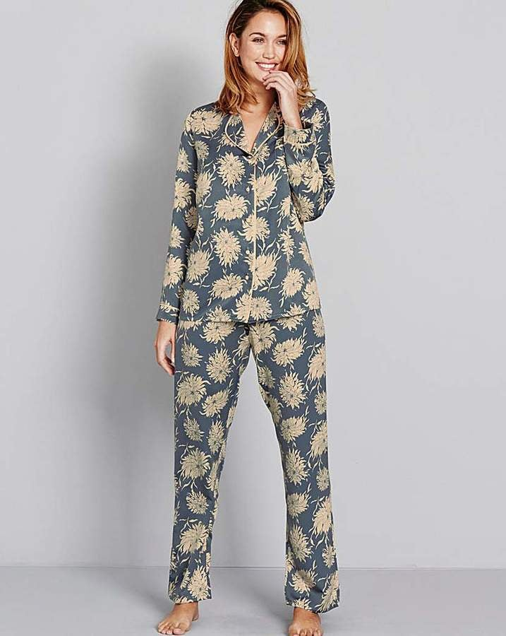 5905737e467c Stylish Pyjama Sets