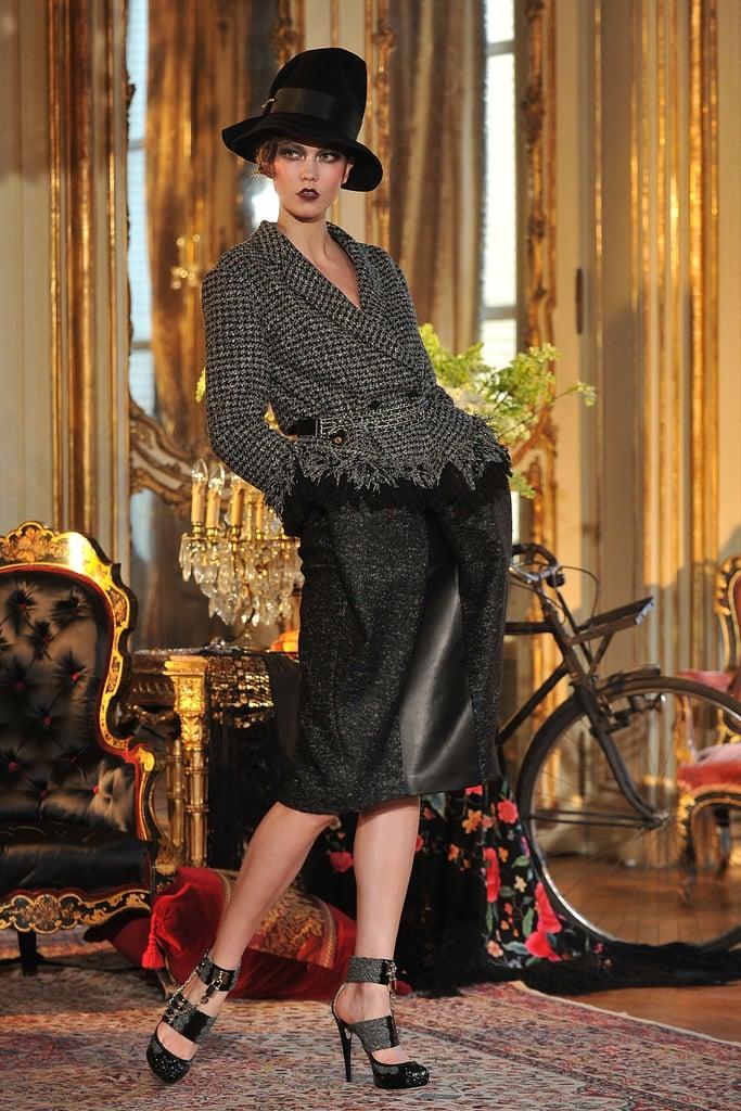 Fall 2011 Paris Fashion Week: John Galliano 2011-03-06 11:38:07