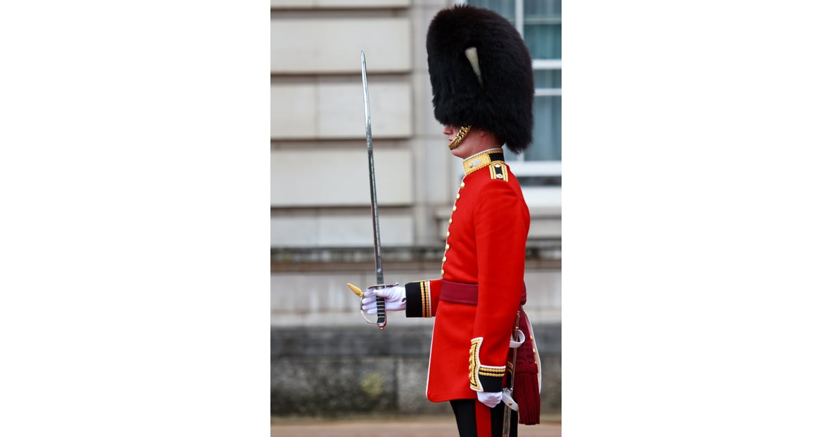 Watch the Changing of the Guards in London | Best Travel