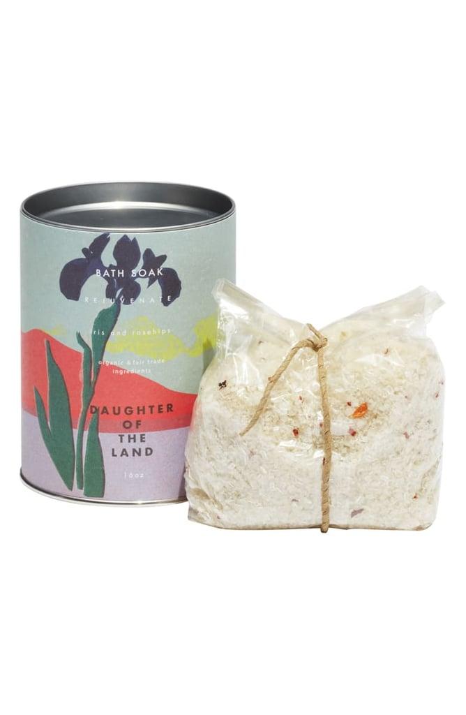 Daughter of the Land Rejuvenate Iris & Rosehips Bath Soak