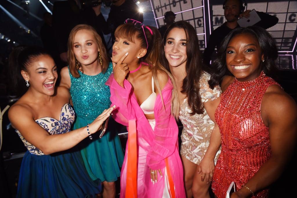 Ariana Grande Covering Her Face at the 2016 MTV VMAs