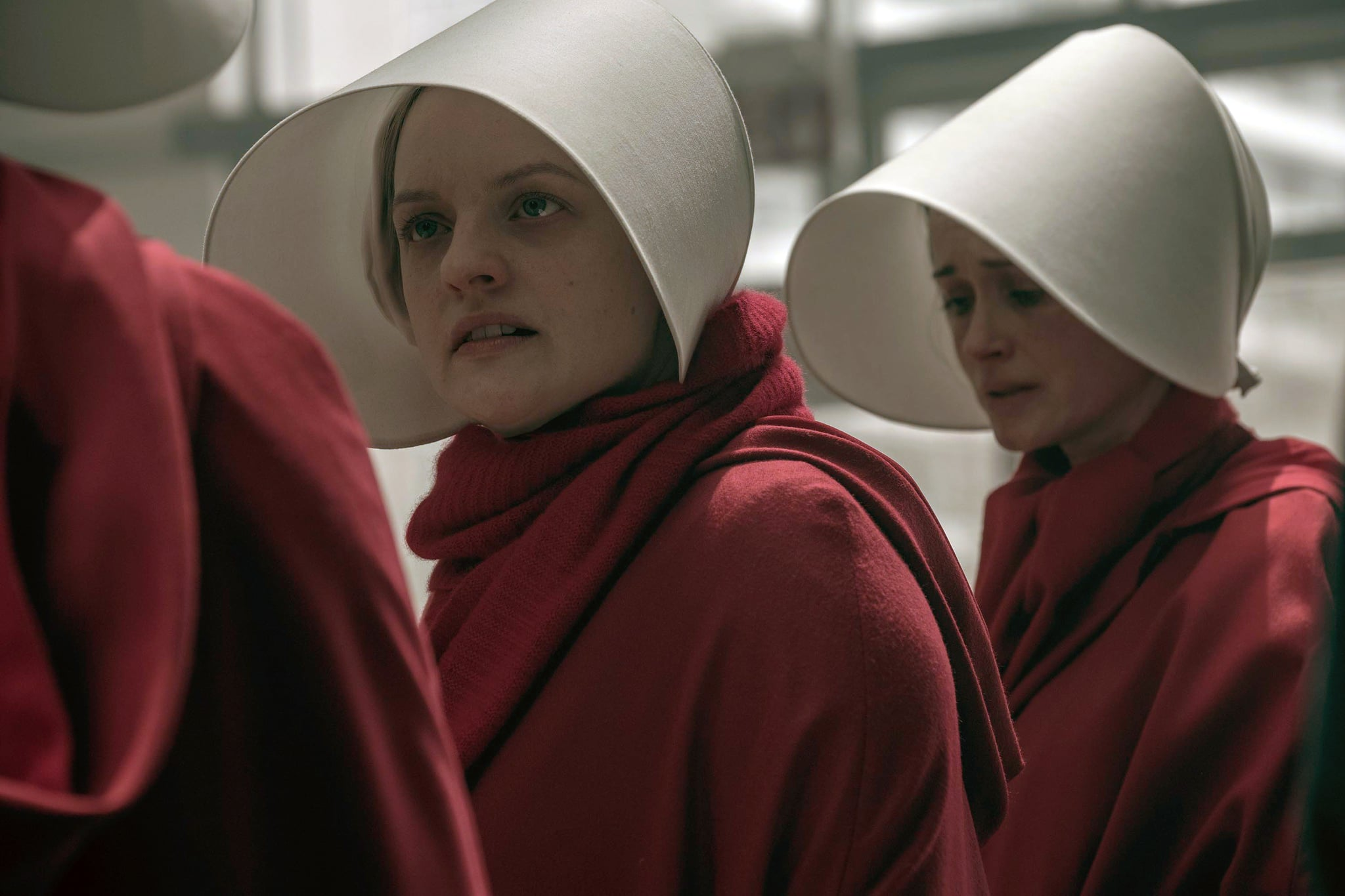 THE HANDMAID'S TALE, from left: Elisabeth Moss, Alexis Bledel, 'After', (Season 2, ep. 207, aired May 30, 2018). photo: Hulu / courtesy Everett Collection