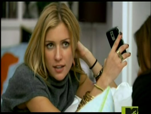 Cell Phones and Gadgets on MTV's The Hills 2009-11-18 11:19:49