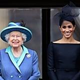 وفي شهر يوليو من العام الحاليّ أيضاً، وقفت الملكة إليزابيث الثانية وميغان ماركل معاً على شرفة قصر باكنغهام لمشاهدة طيران سلاح الجو الملكيّ البريطانيّ.