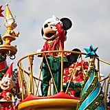 Navigate Mickey's Very Merry Christmas Party like an expert.