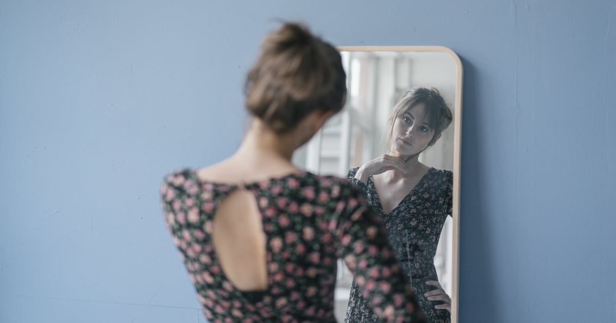 6 Signs That You Could Have Body Dysmorphia, According to a Psychologist