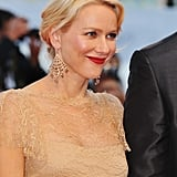 Naomi Watts looked stunning in a lace Marchesa dress.