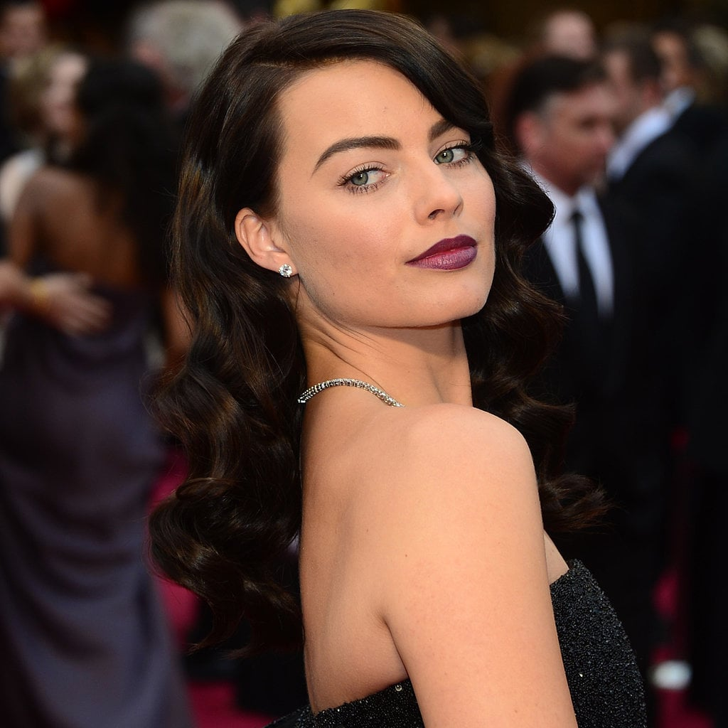 Margot Robbie Brown Hair Pictures at 2014 Oscars