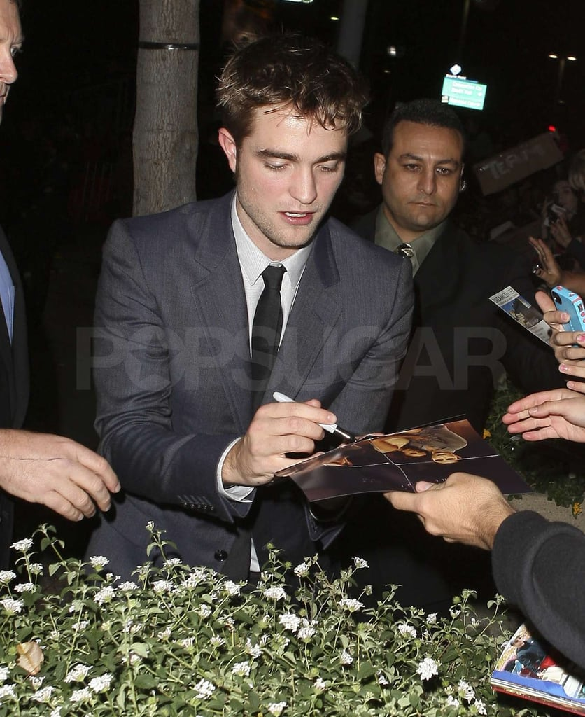 Robert Pattinson made time for fans.