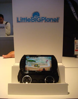 geeksugar Puts the PSP and PSP Go Head-to-Head With LittleBigPlanet
