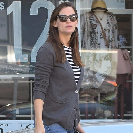 Jennifer Garner Out in LA March 2017 Pictures