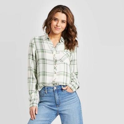 Universal Thread Plaid Long Sleeve Button-Down Shirt