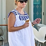 Pregnant Reese Witherspoon at Pinkberry