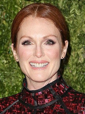 Julianne Moore: My Daughter Told Me I Looked Better Airbrushed!