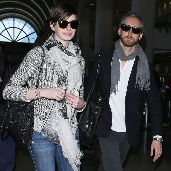 Anne Hathaway Engaged Celebrity Save The Dateanne: Anne Hathaway And Adam Shulman Land At LAX