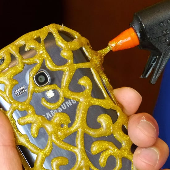 How to Make a Phone Case With a Hot Glue Gun