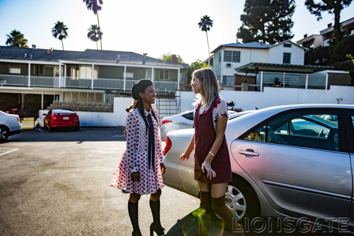 Hitching Rides With Your Bestie Shifts to Hailing a Car With Your Phone