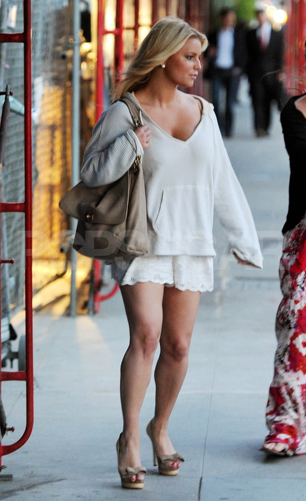 Jessica Simpson was in an eyelet skirt, which is on trend for Summer.