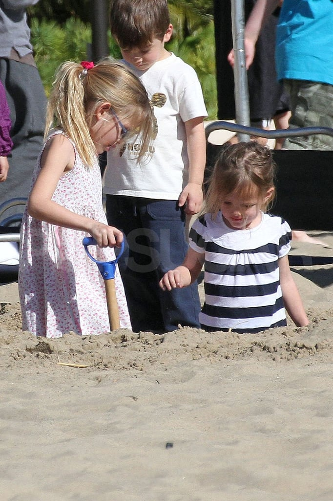 Violet and Seraphina Affleck played at the beach.