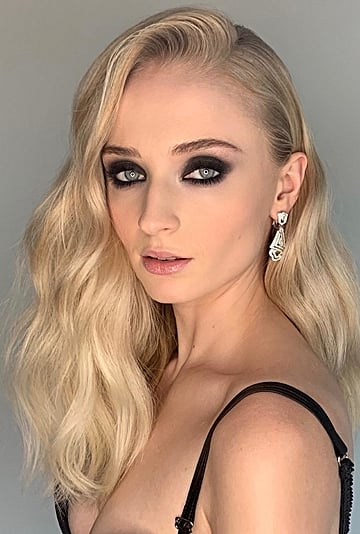 Sophie Turner's Best Hair and Makeup Looks