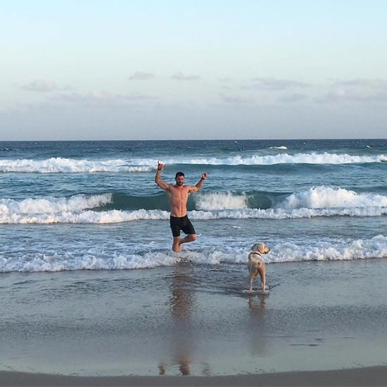 Chris Hemsworth Shirtless in Australia Photos November 2016