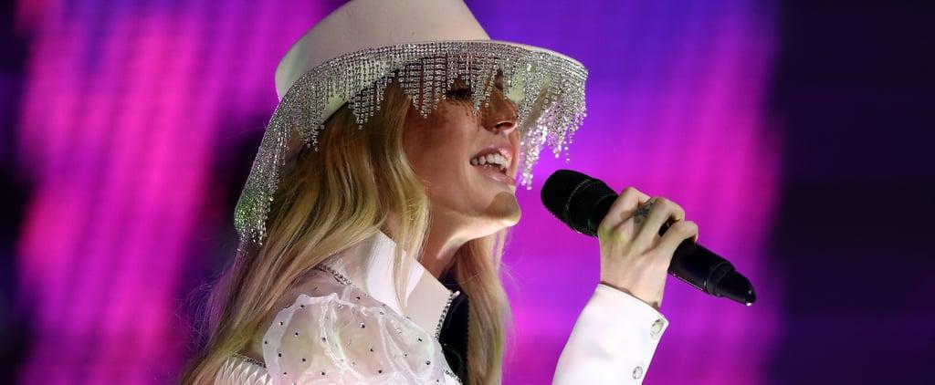Ellie Goulding's Diamante Hat at Dallas Cowboys Half Time