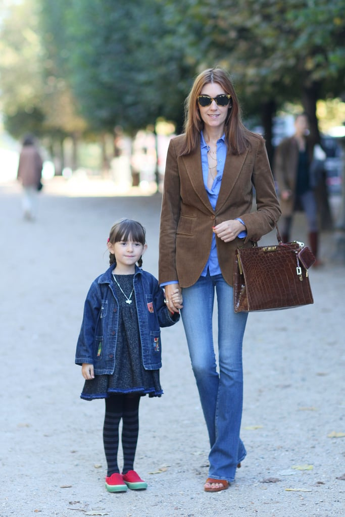 This mom has her classics down — you can never go wrong with a fitted blazer and well-cut denim.