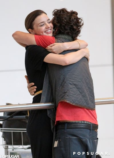 Orlando-Bloom-hugged-Miranda-Kerr-upon-arriving-London-Heathrow