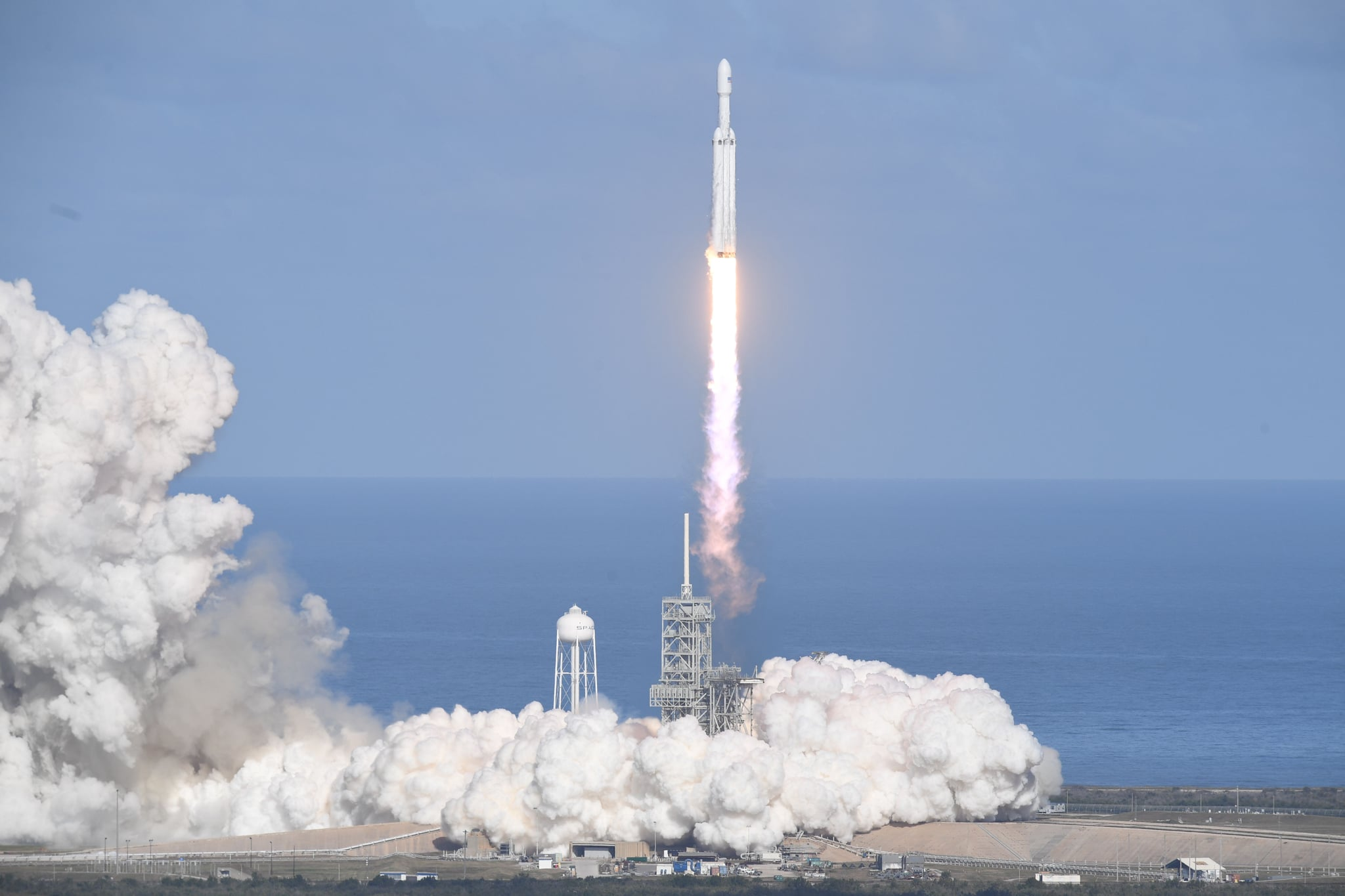 Unimpressed Roscosmos calls SpaceX's Falcon Heavy launch 'nice trick'