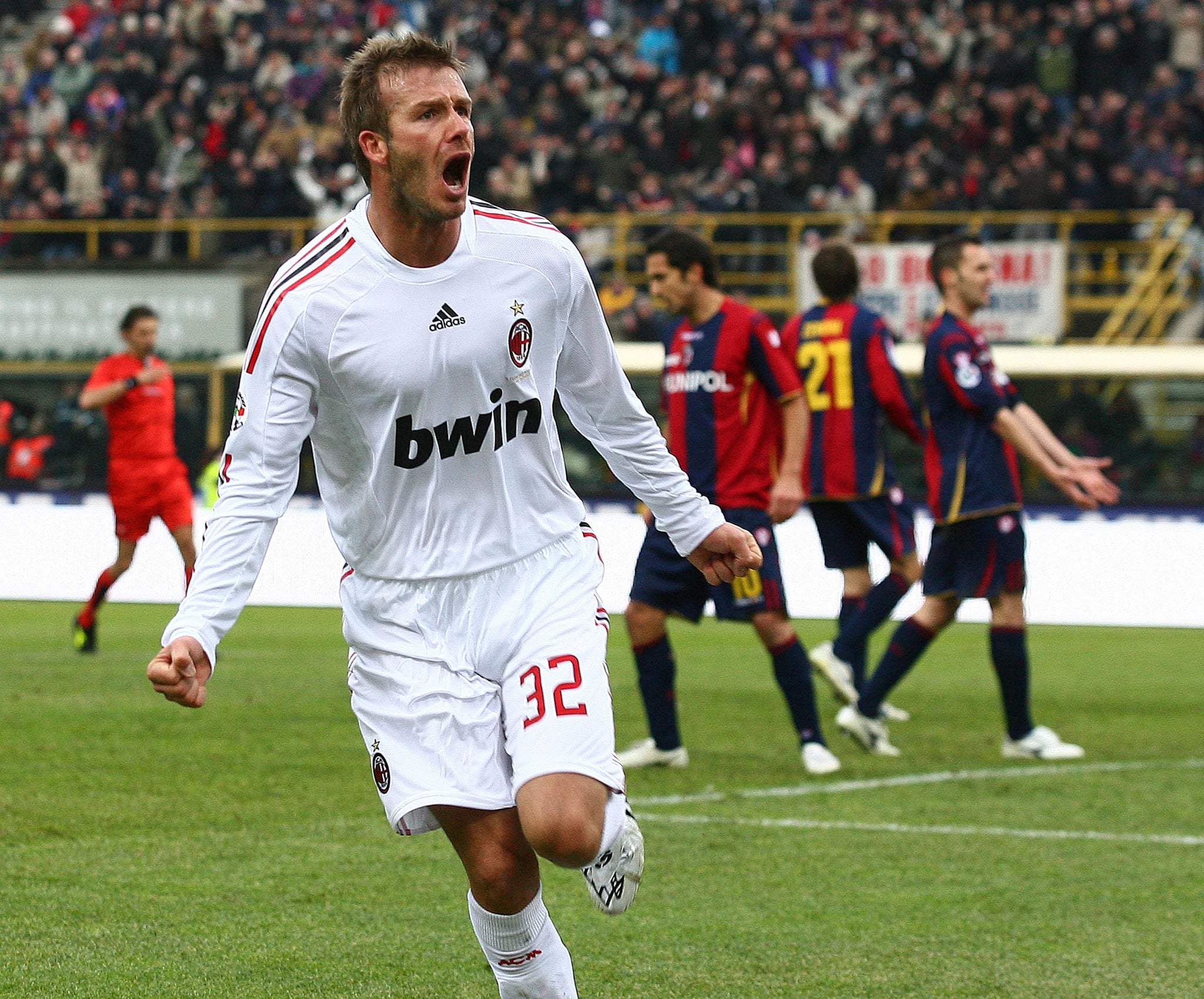 photos of david beckham celebrating after scoring his