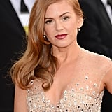 Isla Fisher channeled classic Hollywood with her beautiful side part and jeweled gown.