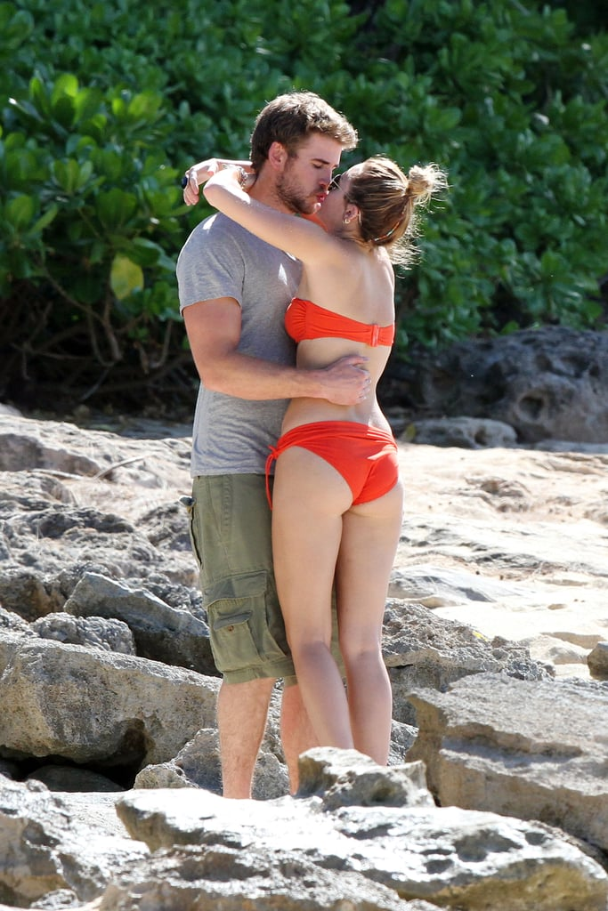 Liam Hemsworth And Miley Cyrus Embraced On The Beach -7811
