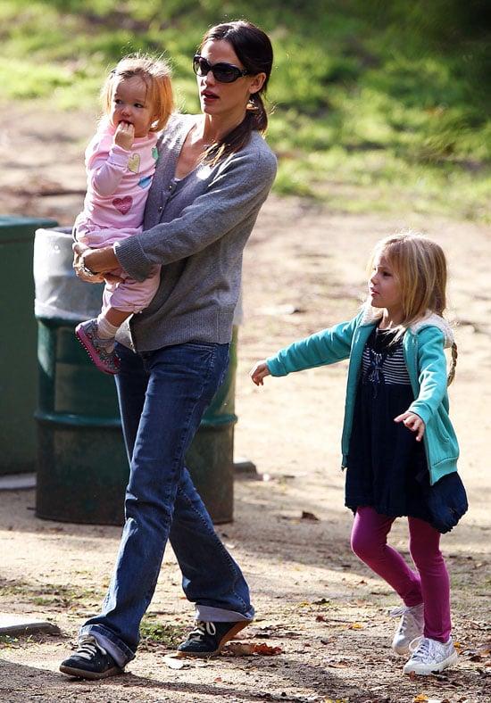 Pictures of Jennifer Garner and Girls